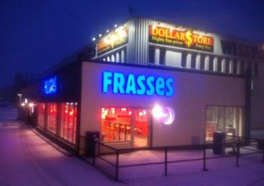 Frasses i Söderköping. Den gamla kiosken revs för att göra plats för Frasses Restaurang och Drive in.